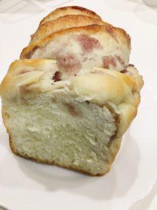 L'Arc-en-Cielのブルーベリー食パン